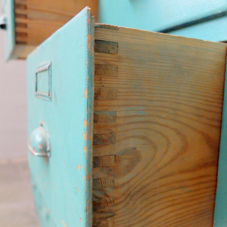 Vintage Groene Kast Bold Design