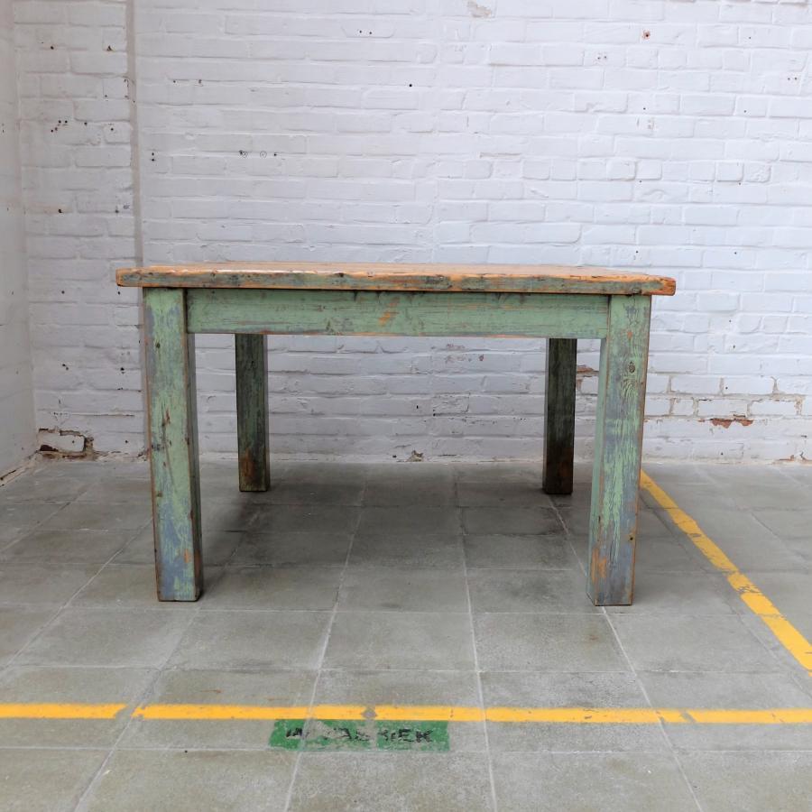Industriele Vierkante Tafel.Industriele Vierkante Tafel Bold Design